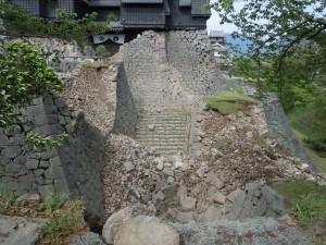 被災後の石門付近の様子