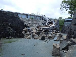 被災後の馬具櫓そばの枡形